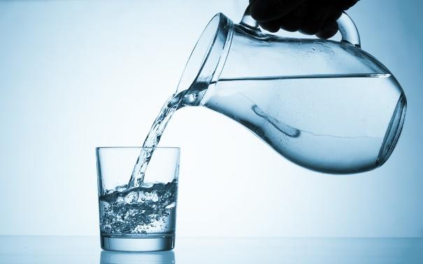 mennyi vizet kell inni 3 fokos magas vérnyomás esetén)