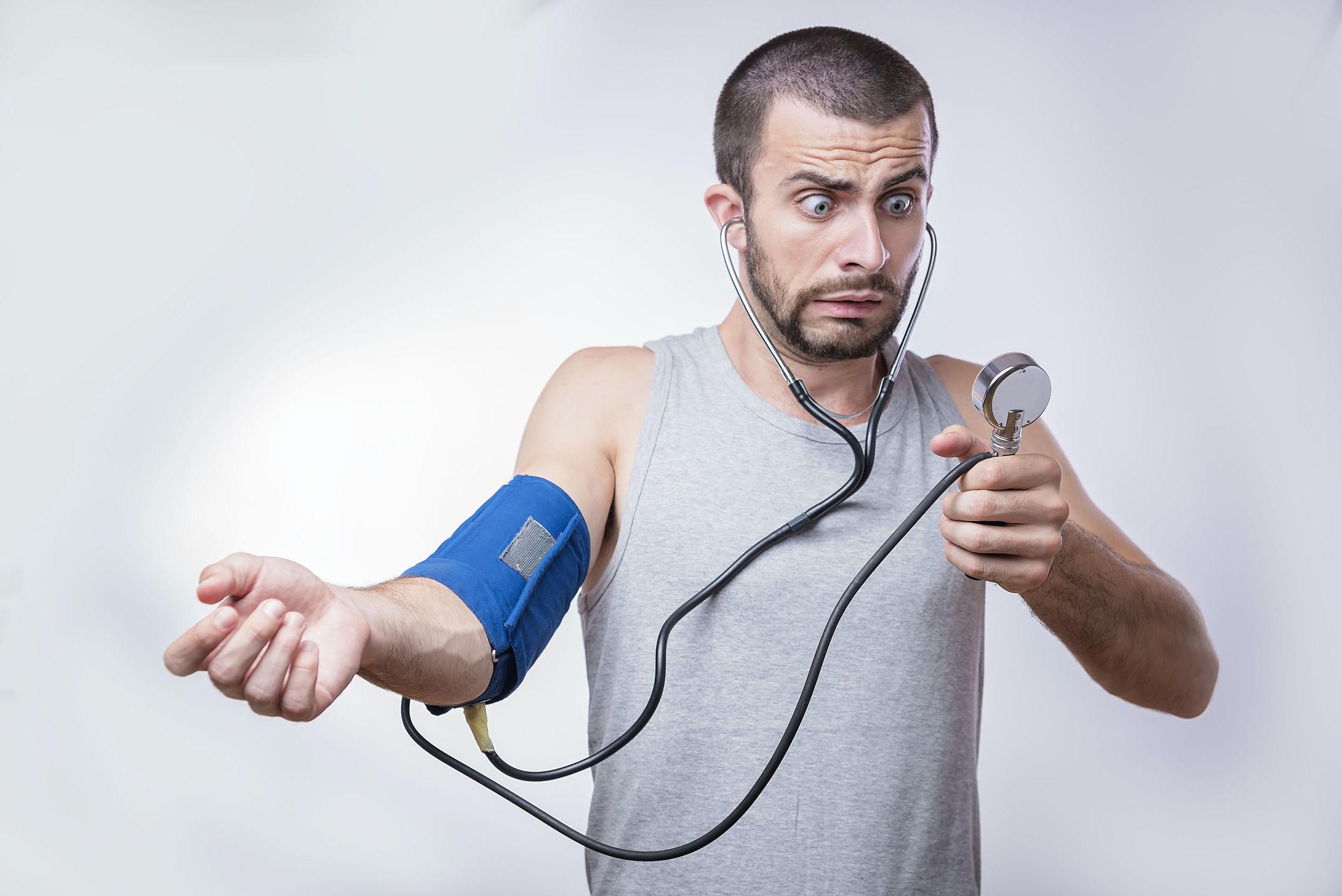 magas vérnyomás és izzadás