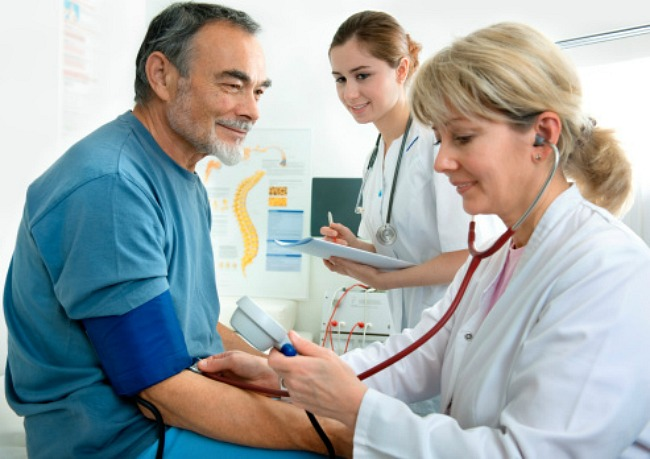 magas vérnyomás cukorbetegségben szenvedő időseknél)