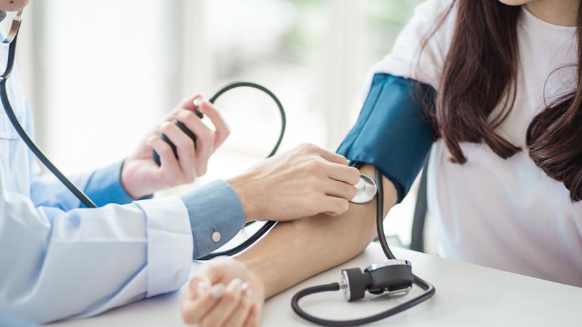 a magas vérnyomás rohama