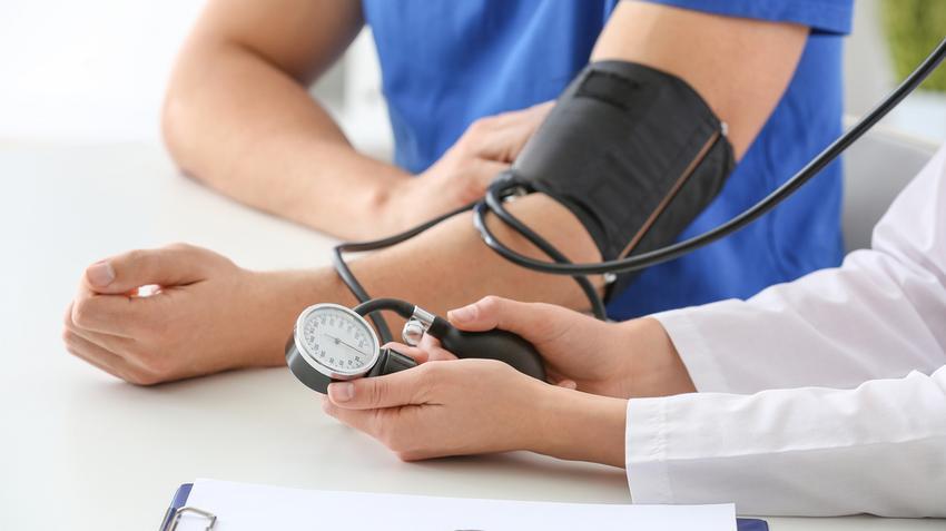 magas vérnyomás kiigazítva