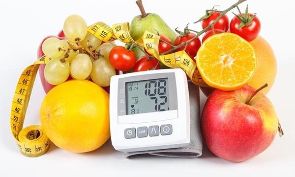az éhség gyógyítja a magas vérnyomást)