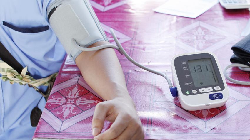 a magas vérnyomás egész életen át tartó