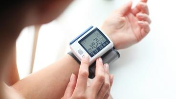 magas vérnyomás 3 stádium 1 fokú kockázat 4 magas vérnyomás kezelés központ 21 század