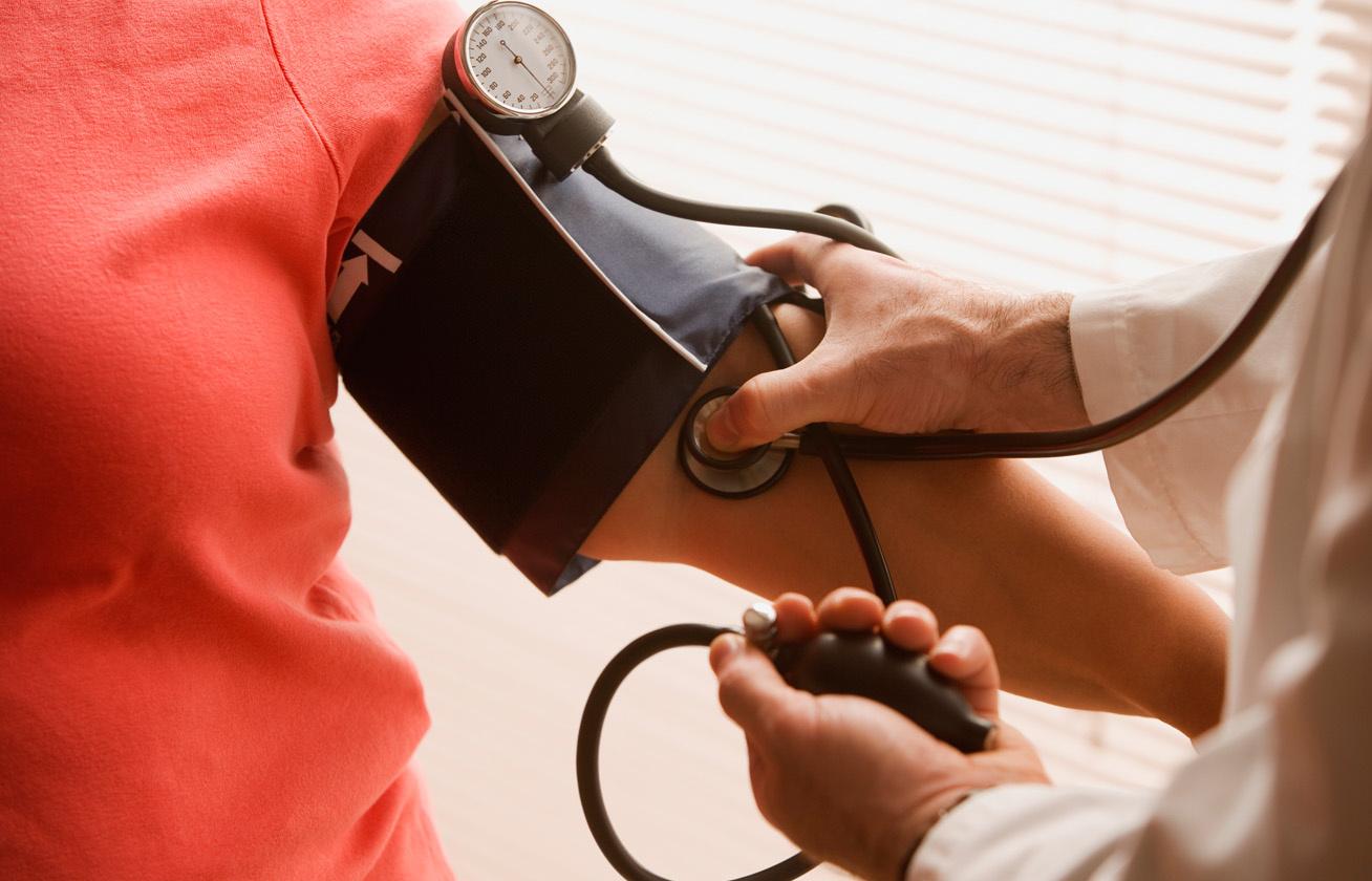 magas pulzus magas vérnyomással)