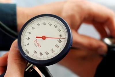 magas vérnyomás a nyak miatt magas vérnyomás és orrfolyás