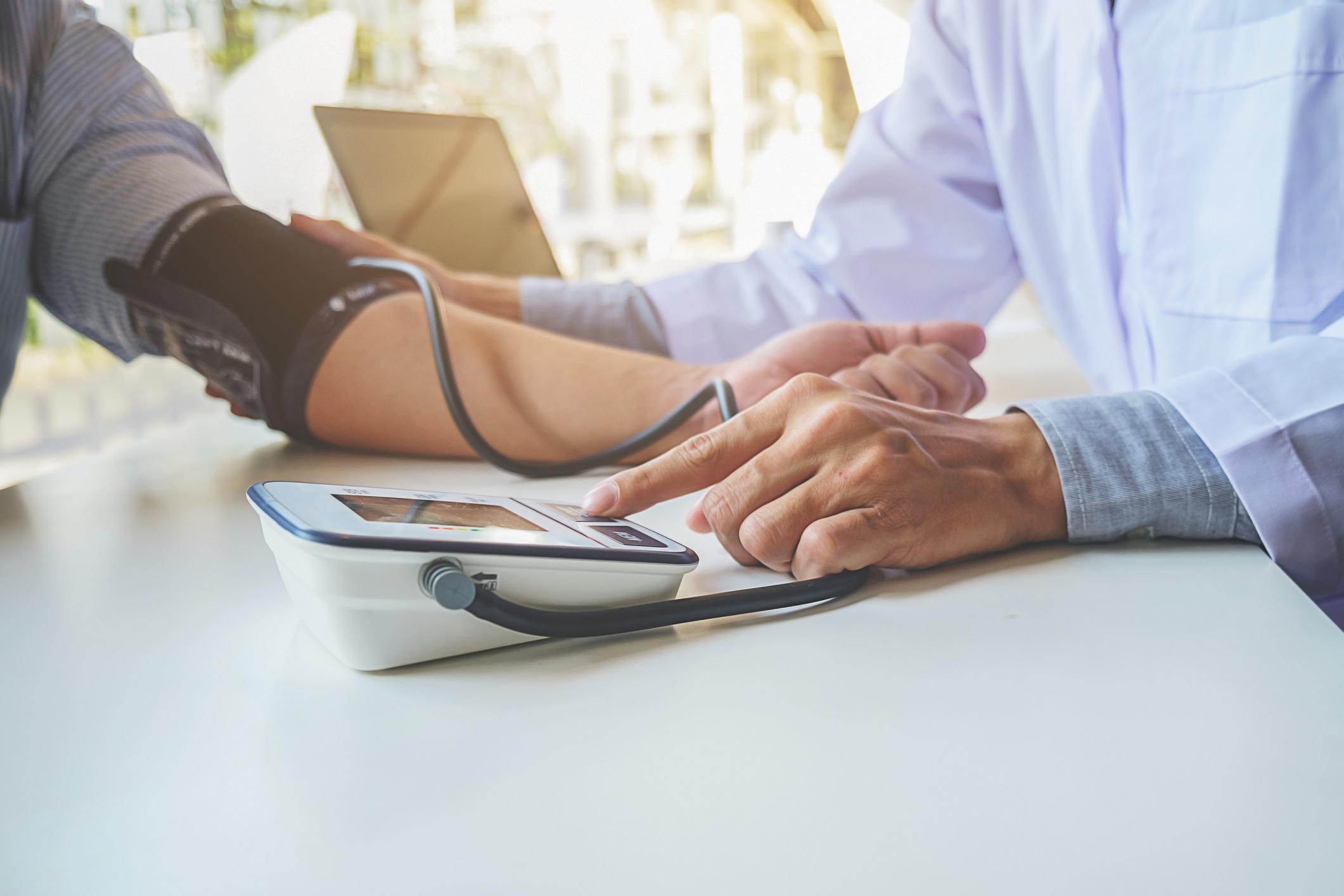 tripla kombináció magas vérnyomás esetén magas vérnyomás hány szakaszában