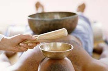 Hangmasszázs kezelések a Sóbarlangban Hován Antal Peter Hess® hangterapeutával
