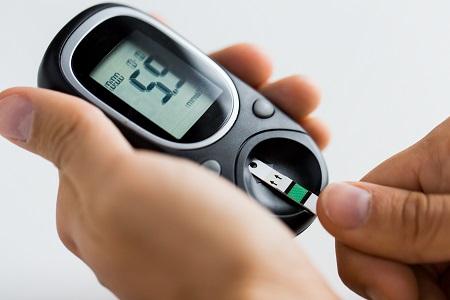 a magas vérnyomás cukorbetegségtől való függése)