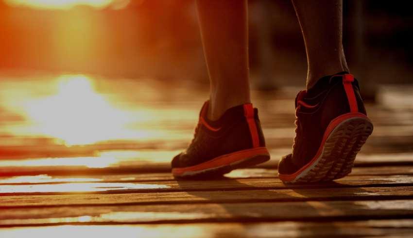 magas vérnyomás elleni lábbeli)