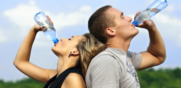 magas vérnyomás mennyi vizet kell inni naponta)