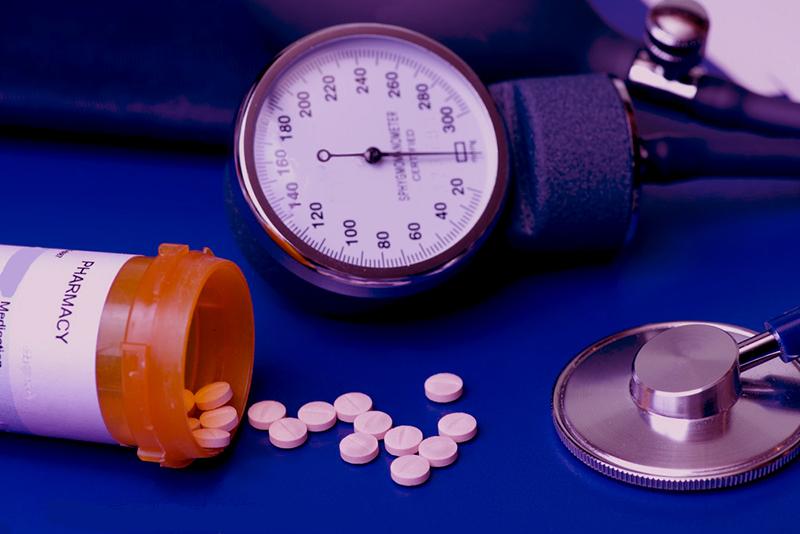 magas vérnyomás elleni masszírozó duzzanat a szem alatt, magas vérnyomás esetén
