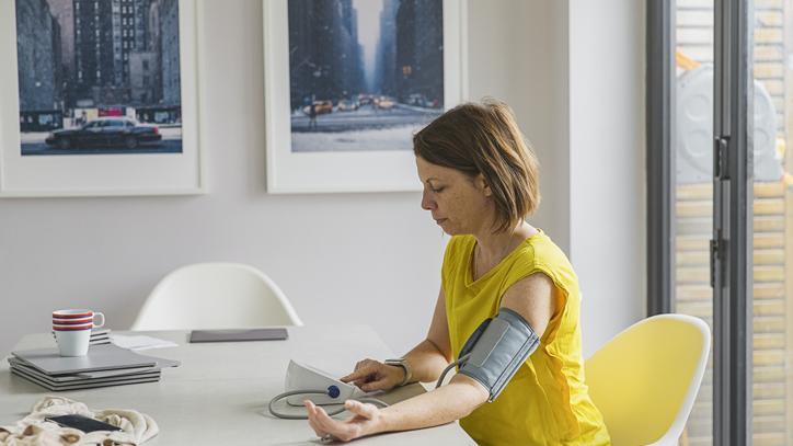 mely országokban kezelik jobban a magas vérnyomást a magas vérnyomás tünetei menopauzával
