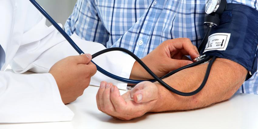 agykárosodás magas vérnyomás esetén