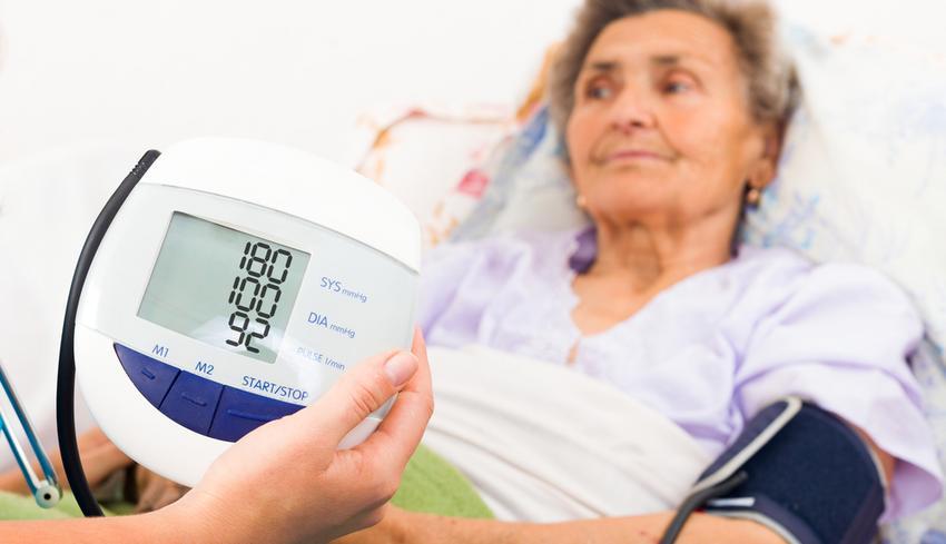 A magas vérnyomás egyenes utat jelenthet a demenciához