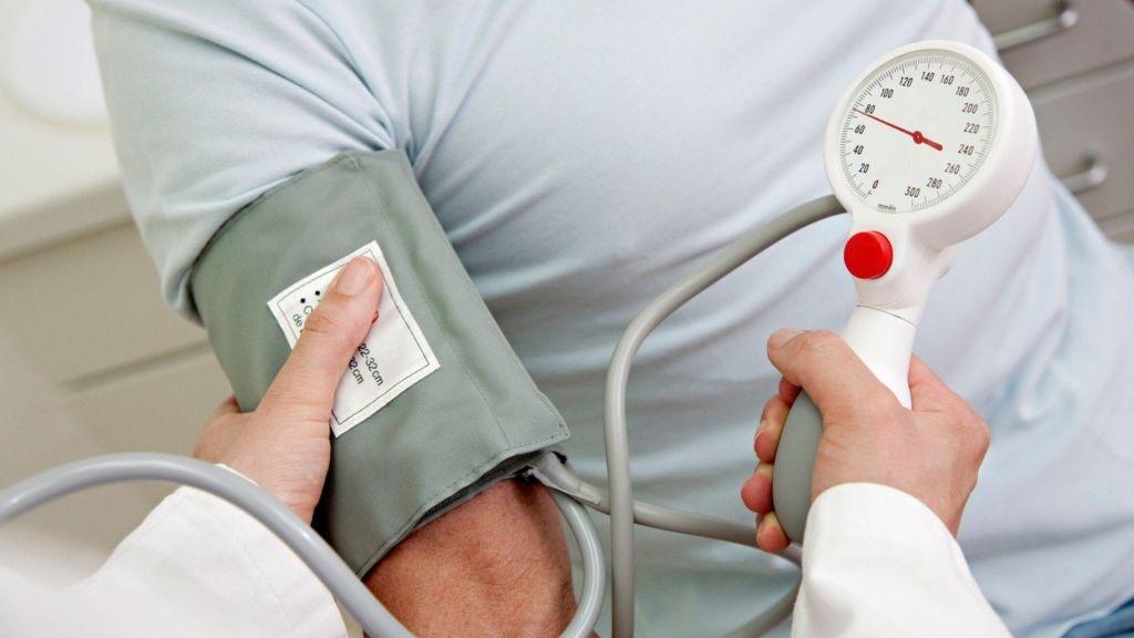 magas vérnyomás-történetek)