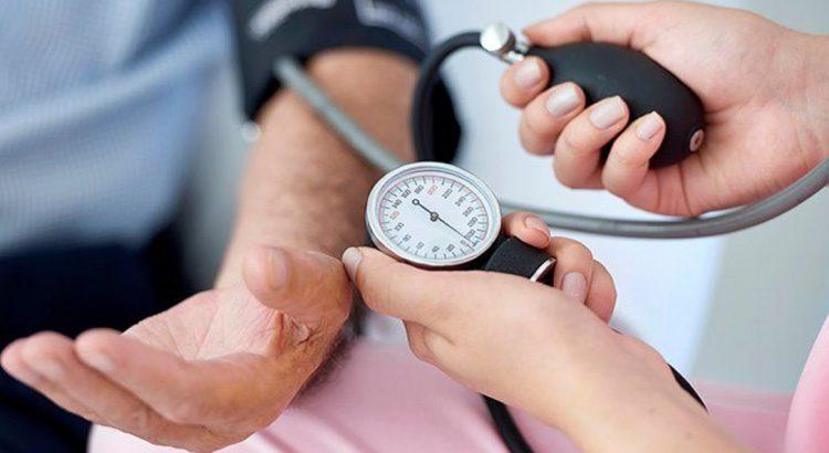 hogyan befolyásolja a medence a magas vérnyomást